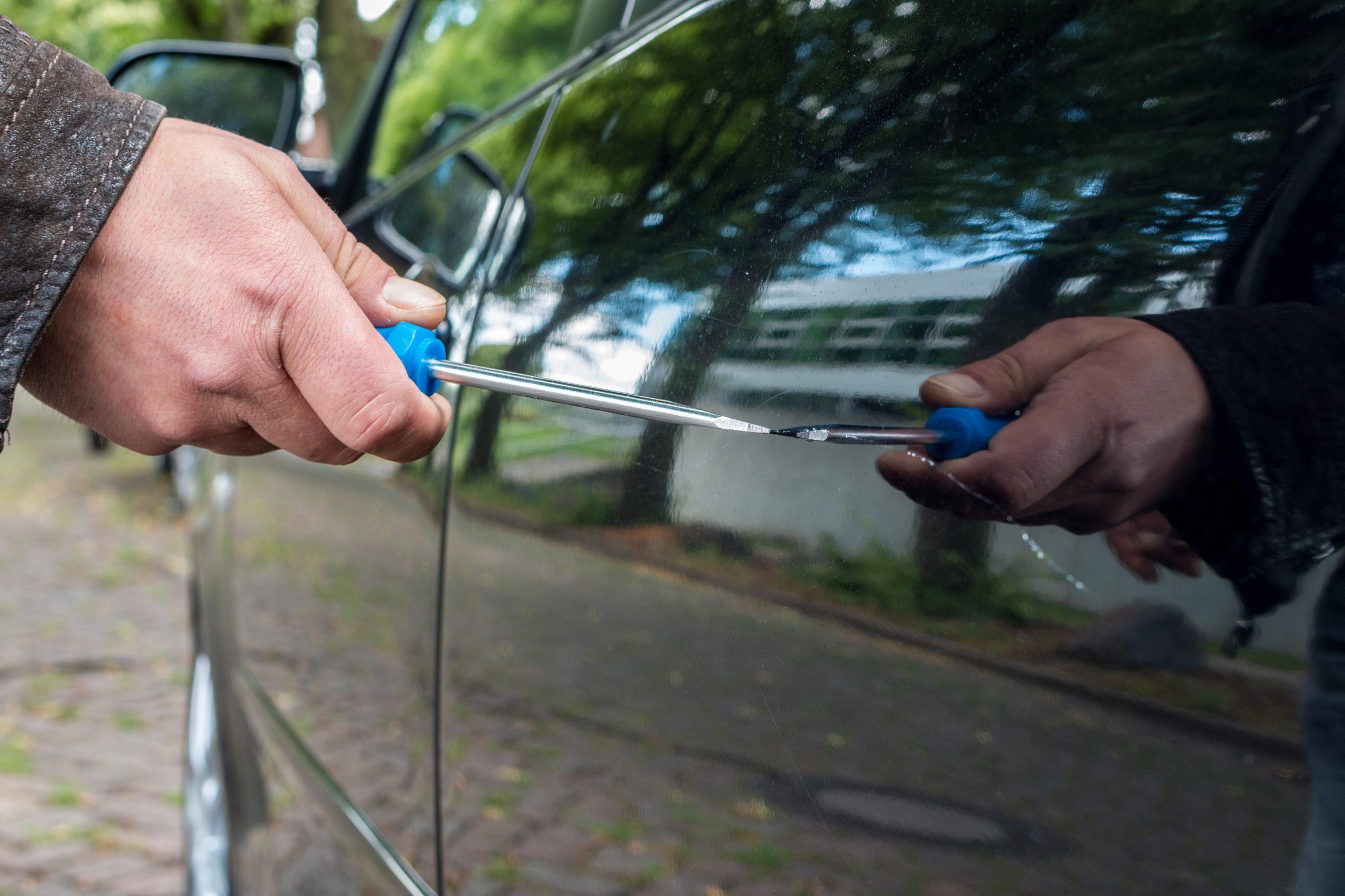 Vandalismus an einem Auto